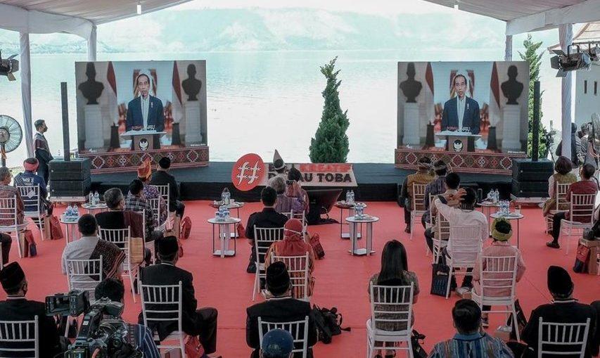 Presiden Jokowi dorong gerakan Beli Kreatif Danau Toba sebagai upaya kembangkan ekonomi kreatif